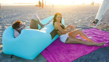 The 13 Best Beach Blankets 2020 [Complete Buying Guide]
