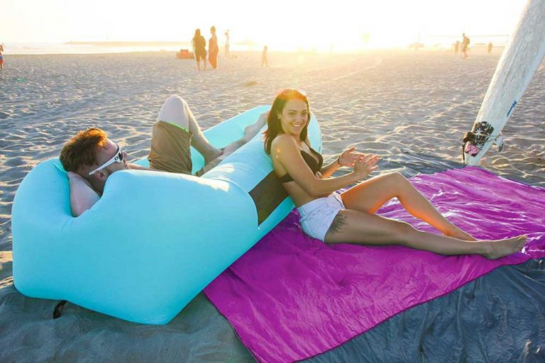 The 13 Best Beach Blankets 2021 [Complete Buying Guide]